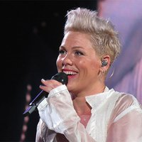 Music Friday: Pink Shows Off Her 'Gold Diamond Rings' in 2001's 'Get the Party Started'